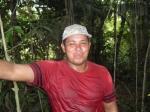 Meu amigo Toniel, suado após pegar uns peixes no lago